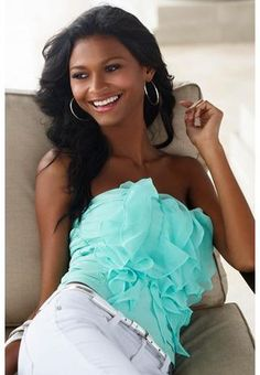 Ruffle front tube top.  Cuuute!