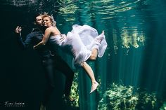 Wondering what happen to your wedding dress when trash it underwater?