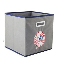 New York Yankees Bedroom Ideas   Organize memorabilia and favorite team jerseys with this durable ...