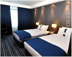 holiday inn express, hotel interior design, hotel bedroom, blue bedroom, twin bedroom