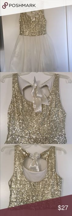 Gold Sequin Dress Never worn. In great condition. Perfect for homecoming or prom. WINDSOR Dresses Prom