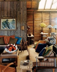 If you want to decorate your living room with classic furniture, consider these essential things to get the most of your needs. Antique Furniture Stores, Trendy Furniture, Classic Furniture, Vintage Furniture, Rustic Living Room Furniture, Furniture Layout, Living Room Decor, Living Rooms, Narrow Living Room