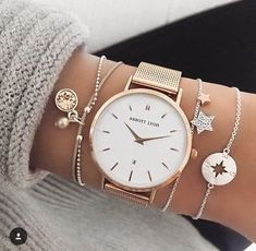 40 Sophisticated Wrist Watches For Women Whose Fashion Is Timeless – Page 3 – Style O Check.I like the bracelets Cute Jewelry, Silver Jewelry, Women Jewelry, Fashion Jewelry, Silver Ring, Silver Earrings, Pearl Necklace, Pearl Jewelry, Jewelry Necklaces