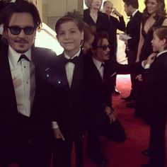 Pin for Later: 17 Celebrities Fortunate Enough to Snag Photos With Jacob Tremblay Johnny Depp