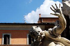 pigeons in Navona Square // Rome // Italy Piazza Navona // Roma