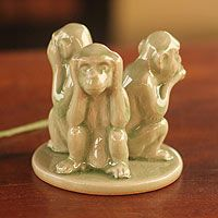 ! Three Wise Monkeys, Ceramic Techniques, Pottery Designs, Life Lessons, Decorative Items, Mystic, Garden Sculpture, Sisters, Artisan