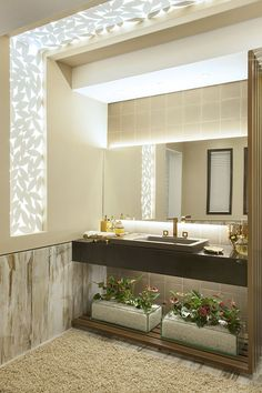 If you have a small bathroom in your home, don't be confuse to change to make it look larger. Not only small bathroom, but also the largest bathrooms have their problems and design flaws. Simple Bathroom, Modern Bathroom Design, Bathroom Interior, Master Bathroom, Bathroom Marble, Bathroom Pink, Bathroom Cabinets, 1950s Bathroom, Bathroom Tubs