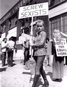 Stella Stevens pickets for women's rights Stella Stevens, Women Rights, Protest Signs, Protest Art, Protest Posters, Riot Grrrl, Mode Blog, Power To The People, Intersectional Feminism
