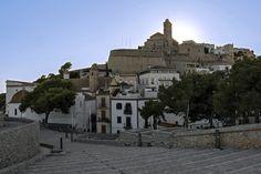 ES_171203 Espanja_0403 Eivissan vanhaa kaupunkia Baluarte de San