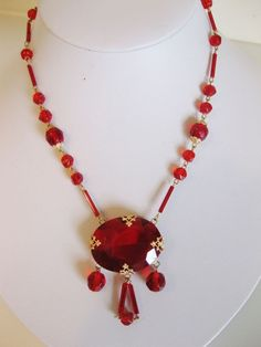 Gorgeous Vintage Art Deco Red Glass Necklace