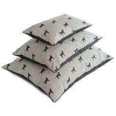 Chic Labrador Pillow Linen Dog Bed