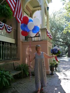 Zeigler House Inn and innkeeper Jackie Heinz are ready for 4th of July in #Savannah #Georgia #USA! Situated on the magnificent Jones Street, the top-pick Savannah bed and breakfast inn shares the Savannah stories of heritage, civic pride and America the beautiful year around! #BnB #BedandBreakfast #historicdistrict #historicinn