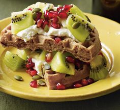 Fruity Waffle Sundae with Van's 8 Whole Grains Multigrain Waffles Meal Plans To Lose Weight, How To Lose Weight Fast, Breakfast Waffles, Queso, Deli, Meal Planning, Health And Wellness, Healthy Lifestyle, Healthy Eating