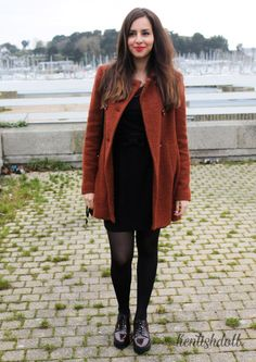 High waisted skirt x Russet coat