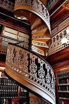 glamorous staircase...