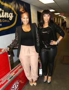 Erica Campbell and Tina Campbell of Mary Mary backstage at BB King in New York City. Diva Fashion, Curvy Fashion, Plus Size Fashion, Curvy Celebrities, Celebs, Celebrity Red Carpet, Celebrity Style, Erica Campbell, Design Logo