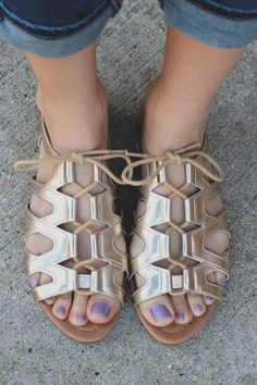 407d4a7f01cc9 Gold Lace Up Front Flat Gladiator Sandals Joslin-S