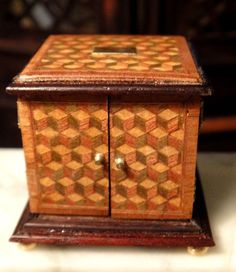 IGMA Artisan Christopher Malcomson's Inlaid Jewelry or Coin Box Signed