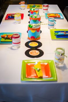 Birthday party theme music, musical instruments, the little musician. Birthday party table decoration.