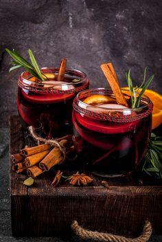 Herbata rozgrzewająca z suszoną śliwką kalifornijską Healthy Christmas Treats, Fancy Dishes, Tea For One, Winter Drinks, Liqueur, Drinking Tea, Food Art, Tea Time, Tea Cups