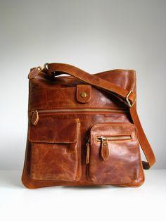 Vintage Look Leather Messenger Handbag Brown.