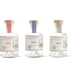 St George Spirits is a boutique distillery in San Fransisco, making artisan spirits to very high specifications since This Gin gift pack contains a miniature sample of the Terroir, Botanivore, and Dry Rye gins. Perfume Packaging, Beverage Packaging, Bottle Packaging, Brand Packaging, Gin Bottles, Alcohol Bottles, Wine Label Design, Bottle Design, Gin Brands