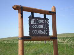 I just have to post this sign for all my followers of my Colorado Board. I can't wait to see this state again and hopefully live there. Maybe we should all meet there. Merry christmas 2011 to all!