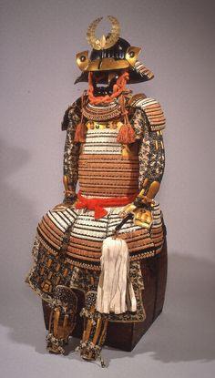 赤糸威胸白二枚胴具足 文化遺産オンライン