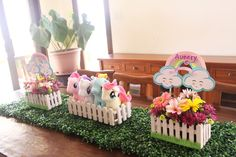 My Little Pony Pastel Birthday Party Birthday Centerpieces, Birthday Decorations, Table Centerpieces, My Little Pony Party, Unicorn Birthday Parties, Unicorn Party, Anniversaire My Little Pony, Baby Showers, Pony Cake
