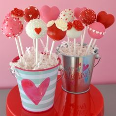 Grab the kids & share the love this Valentine's Day as they decorate 6 festive cake pops! Each child will receive guidance & plenty of fun tools to create unique Valentine's Cake Pops to take home! Valentine Desserts, Valentines Day Desserts, Valentine Cookies, Valentines Day Party, Valentines Cakepops, Cake Pop Bouquet, Cake Pop Designs, Cake Pop Decorating, Holiday Treats