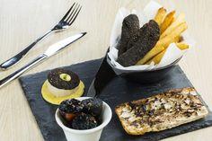 黑色,是永恆的時尚和型格代表,不過黑麻麻的黑色料理,你又敢食嗎?說的是Kettle Black黑色菜單,無論小食或菜式都 ...