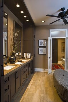 Bathroom design house design home design decorating before and after Dream Bathrooms, Beautiful Bathrooms, Master Bathrooms, Master Baths, Luxury Bathrooms, White Bathrooms, Small Bathrooms, Home Interior, Interior Design