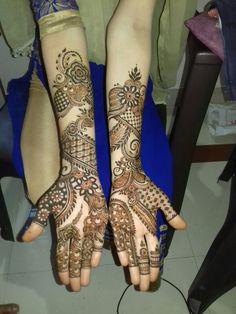 Indian Henna Designs, Latest Henna Designs, Back Hand Mehndi Designs, Stylish Mehndi Designs, Mehndi Designs Book, Mehndi Design Pictures, Wedding Mehndi Designs, Beautiful Henna Designs, Mehndi Designs For Fingers