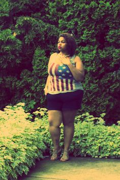 Blogger Elann Zelie in a Deb Shops American flag top! #blogger