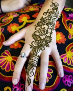 These Hand Henna Designs 2018 New Styles are only for you if you...