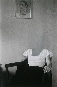 Charlotte Bracegirdle, New York 1932 Zeitgenössische Kunst - Frida kahlo - Art World Photocollage, Art And Illustration, Art Plastique, Belle Photo, White Photography, Collage Art, Collages, Image Collage, Art Inspo