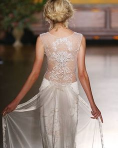 ❤️ #photooftheday from our fave #weddingdress designer #clairepettibone  the for the #bridetobe who is looking for something ultra #romantic