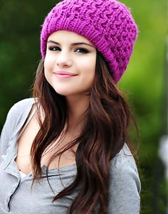 Uploaded by Forever love. Find images and videos about fashion, cute and style on We Heart It - the app to get lost in what you love. Selena Gomez Images, Selena Gomez Cute, Selena Gomez Fotos, Selena Gomez Outfits, Selena Gomez Style, Alex Russo, Selena Gomez Adidas, Selena Gomz, Selena Gomez Photoshoot