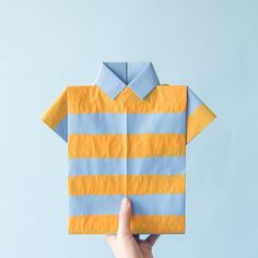 Make a cute gift bag for Dad with an origami shirt!