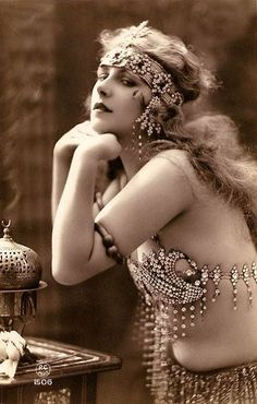 pasadoperdido:  1900's beauty