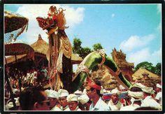 INDONESIA (Lesser Sunda) - Naga Banda in Ngaben Ceremony