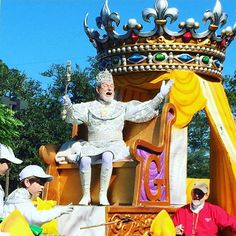 King Gabriel wishing the Queen a Happy Mardi Gras!! #MardiGras #MardiGras2016 #king #parade  Check out YouTube.com/LaneVids where we upload every day! _____________________________ #lanevids #thefunnyrats #youtube #youtuber #vlogger #vlog #louisiana #love #adorable #family #kids #children #happy #fun #life #live #Vloggers #youtubers #subscribe #vlogs #video #cute #OnlyLouisiana #PickYourPassion
