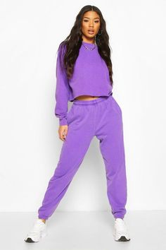athleisure, work from home, lounge wear, comfort wear, active wear, functional clothing, casual clothing, workout clothes, tights, yoga pants, joggers, track suits, practical clothing, fashion trends, wfh, work from home fashion, zara, uniqlo, asos, coronavirus, covid, pandemic, 2020, social distancing, new normal, lockdown trends, stay home, lockdown alphabet, bright spots, silver lining, positivity Lila Outfits, Neon Outfits, Purple Outfits, Colourful Outfits, Skirt Outfits, Cute Outfits, Fashion Outfits, Fashion Trends, Jogger Outfit