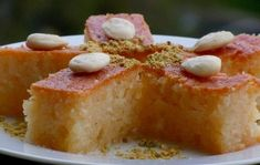 5 Νηστίσιμα γλυκά που πρέπει να δοκιμάσεις! | ediva.gr Cornbread, French Toast, Breakfast, Ethnic Recipes, Food, Millet Bread, Morning Coffee, Essen, Meals