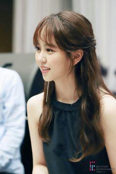 Kim So-hyun (김소현) - Picture @ HanCinema :: The Korean Movie and Drama Database Korean Actresses, Korean Actors, Actors & Actresses, Korean Beauty, Asian Beauty, Korean Girl, Asian Girl, Kim So Hyun Fashion, Hyun Soo