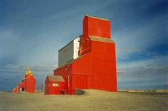 An Elevator in Cabri, Saskatchewan: Images of Saskatchewan Grain Storage, Grain Silo, Barns Sheds, Canadian History, Truck Art, Old Barns, Old Buildings, Fire Trucks, Farm Life