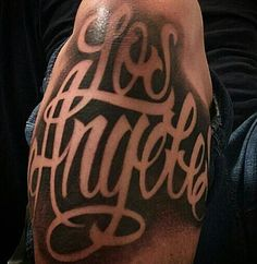 Would love this type of lettering but says new mexico Chicano Style Tattoo, Chicano Tattoos, Bad Tattoos, Body Art Tattoos, Calligraphy Tattoo, Tattoo Script, Arm Tattoo, Chicano Lettering, Graffiti Lettering
