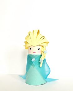 Fantastic No Cost rolled Paper Crafts Ideas Paper crafts is usually as mixed while you'd like them in order to be. Elsa Frozen, Toilet Paper Roll Crafts, Paper Crafts, Diy Crafts For Kids, Arts And Crafts, Frozen Crafts, Handmade Home Decor, Crafty, Design
