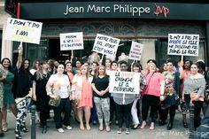 Jean Marc Philippe - mode grande taille - Départ du défilé de notre boutique de Rivoli. #defilejmp  Crédit Photo: Land Play  Maquillage: ITM #plussize
