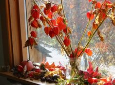 HOW TO: Create A Simple Nature Table & Bring The Magic Of Autumn Into Your Home | Inhabitots